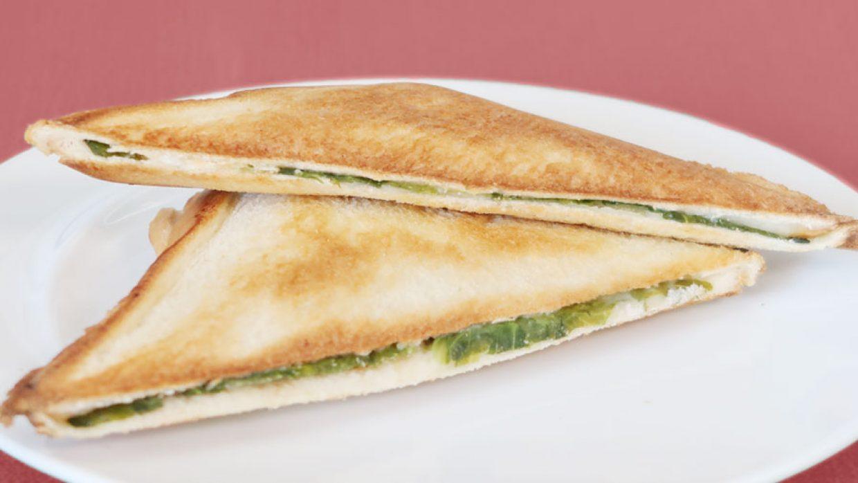 ケッパーの消費に!簡単レタスとチーズのホットサンド